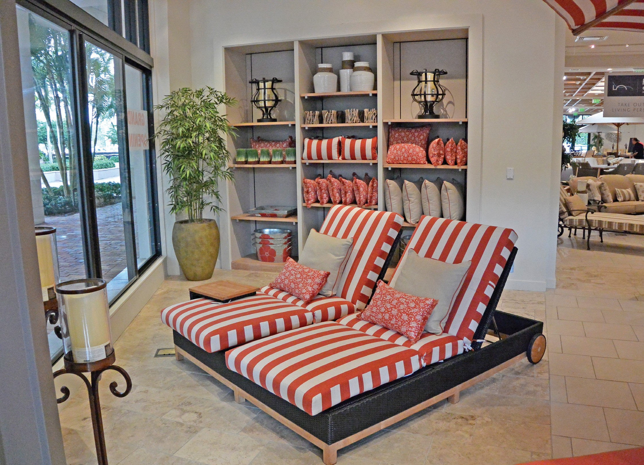 Peachy Carls Patio Opens New Store In Downtown At The Gardens Download Free Architecture Designs Ponolprimenicaraguapropertycom